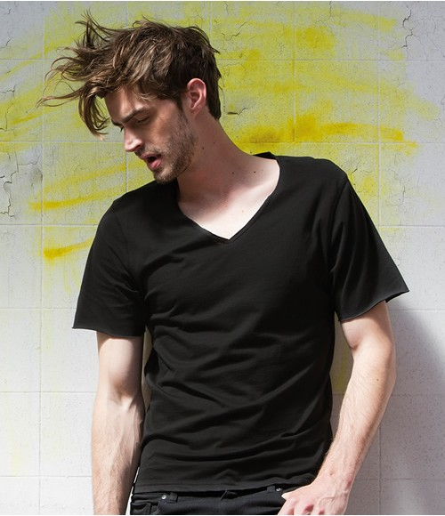 SkinniFitMen Wide V Neck T-Shirt